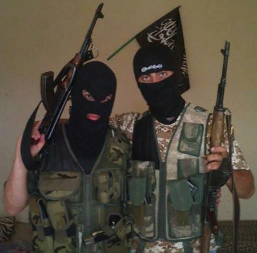 Danske myndigheder mener at terrorister som Ahmed Samsam og Özgür Deveci kan stoppes ved hjælp af forebyggende samtaler og støttefamilier. Det investerer de millioner af skattekroner i.