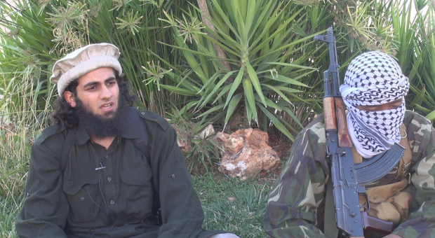 Abu Khattab (tv.) i Syrien.