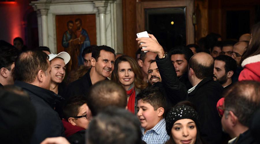 Præsidenten besøger Lady of Damascus Catholic Church den 18. december 2015.